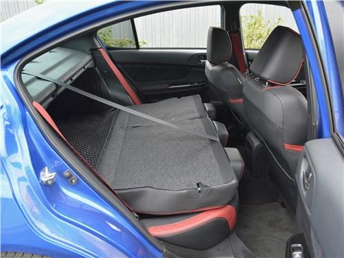 Subaru WRX STI (2018) задний диван