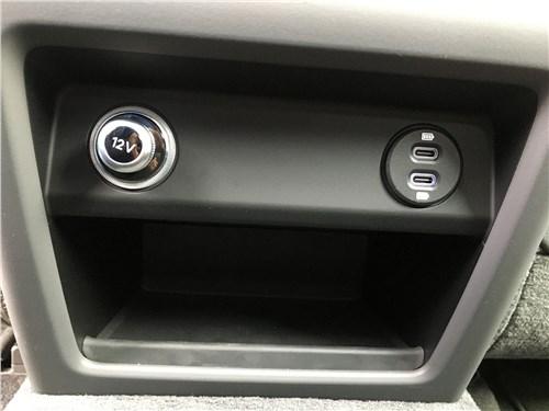 Предпросмотр porsche cayenne turbo s e-hybrid coupe 2020 розетки