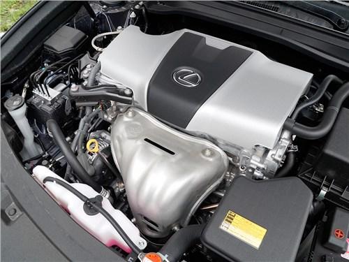 Lexus ES 200 2016 моторный отсек