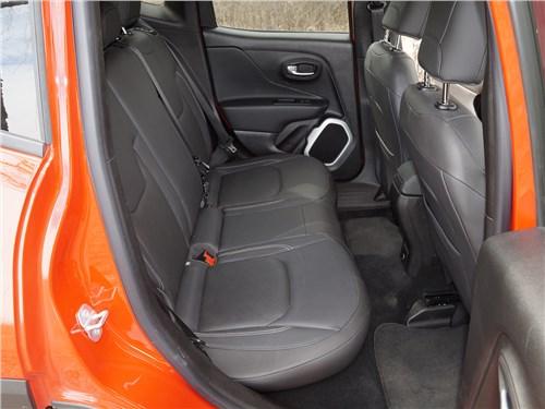 Предпросмотр jeep renegade 2014 задний диван