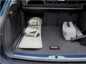 Skoda Superb Combi 2013 багажное отделение 2