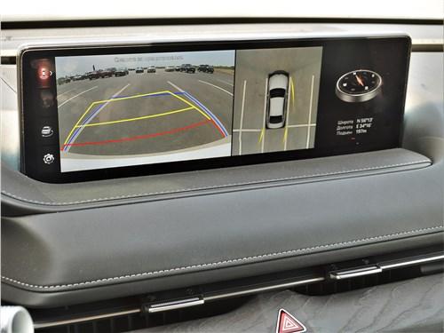 Genesis G80 (2021) монитор