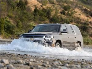 Chevrolet Tahoe 2015 вид спереди