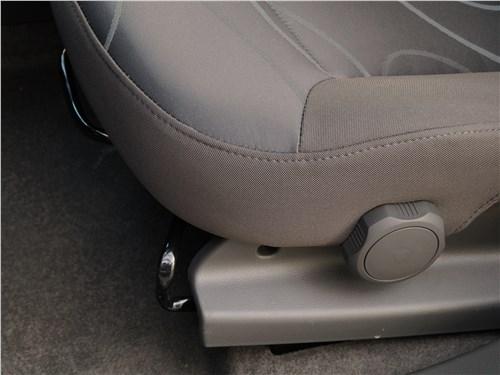 Предпросмотр ravon r2 2016 переднее кресло