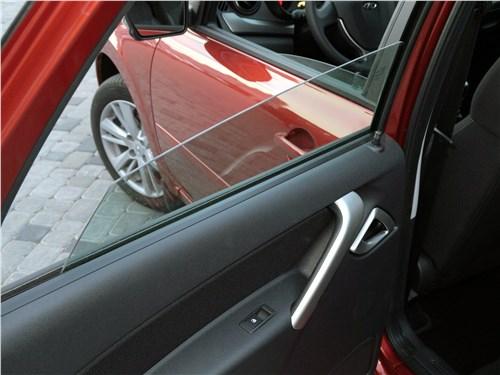 Предпросмотр lada granta 2019 стекла задних дверей