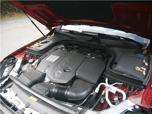 Mercedes-Benz GLC Coupe 2020 моторный отсек