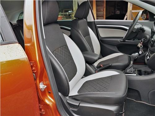 Lada Vesta SW Cross 2018 передние кресла