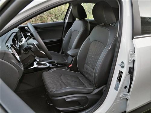 Kia XCeed 2020 передние кресла