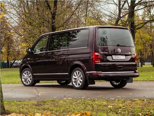 Volkswagen Multivan 2015 вид сбоку сзади