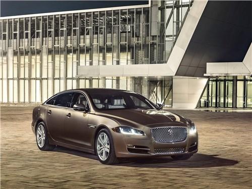 Больше не нужно XJ - Jaguar XJ 2016 вид спереди сбоку