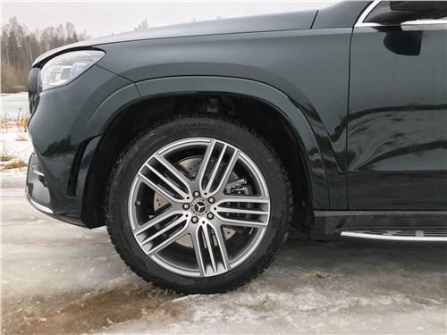 Mercedes-Benz GLS 2020 переднее колесо
