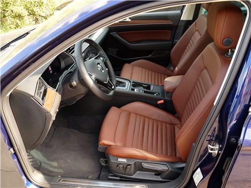 Volkswagen Passat 2015 передние кресла