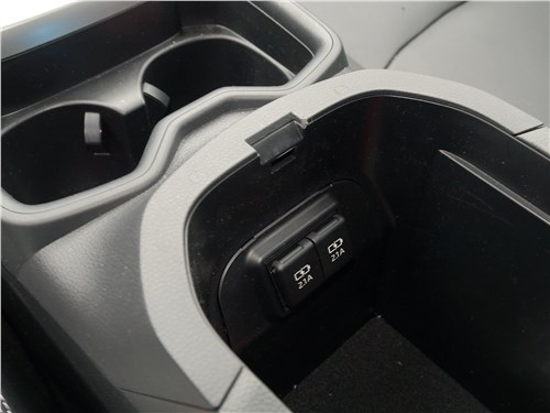 Toyota RAV4 2019 бокс-подлокотник