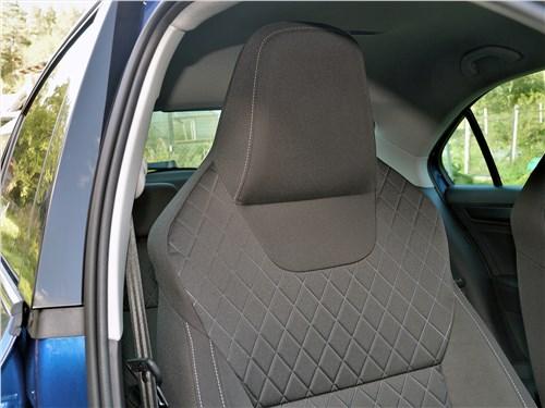 Skoda Rapid 2020 передние кресла
