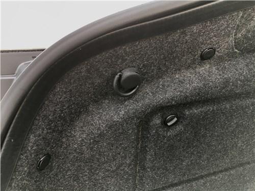 Infiniti Q60 (2016) багажное отделение