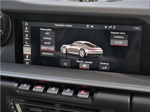 Porsche 911 Carrera 4S (2018) центральный экран мультимедиасистемы