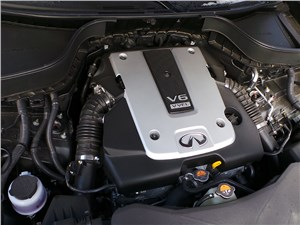 Infiniti QX70 2015 двигатель