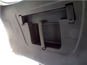 Chevrolet Cruze SW 2013 фиксаторы для аптечки и знака аварийной остановки