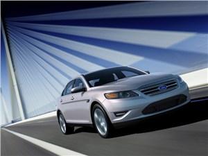 Крупные середняки (Chevrolet Alero (Oldsmobile Alero), Ford Taurus, Chrysler Sebring (Dodge Stratus)) Taurus