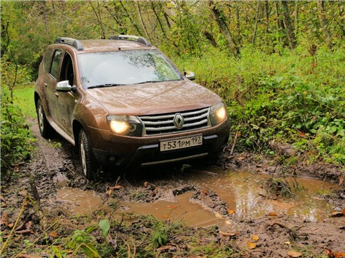 Новость про Renault Duster - Renault Duster назван самой аварийной моделью в России