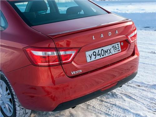Новость про Lada - На российском рынке «АвтоВАЗ» выручил 9,31 миллиарда рублей