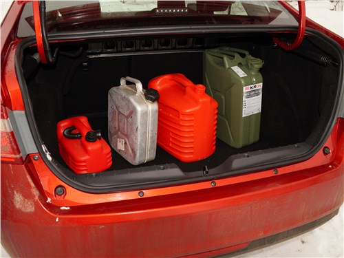 Lada Vesta 2015 багажное отделение