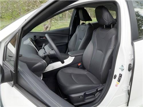 Предпросмотр toyota prius 2016 передние кресла