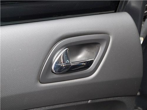 Peugeot 408 2012 «прорезиненный» пластик