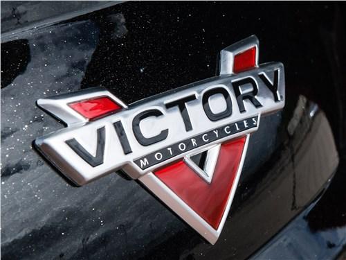 логотип Victory Motorcycles