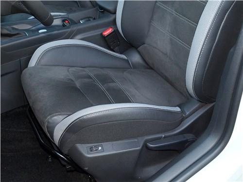DS4 Crossback 2016 передние кресла