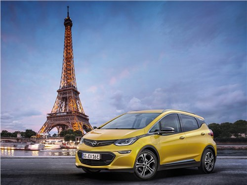 Opel Ampera-e 2017 вид спереди