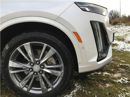 Cadillac XT6 2020 передний свес