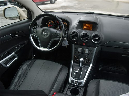 Opel Antara 2011 салон