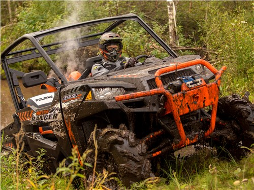 Polaris Ranger XP 900 EPS High Lifter Edition вид спереди