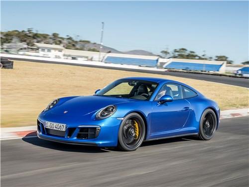 Porsche 911 GTS 2018 вид спереди