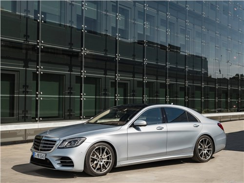 Мечты сбываются (Audi A8,BMW 7 Series,Jaguar XJ,Lexus LS,Mercedes-Benz S-Klasse,Volkswagen Phaeton) S-Class - Mercedes-Benz S-Class 2018 вид спереди