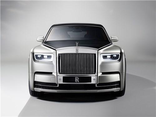 Rolls-Royce Phantom - Rolls-Royce Phantom 2018 вид спереди