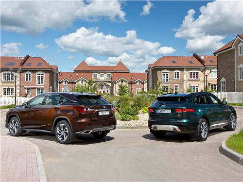 Jaguar F-Pace 2016 и Lexus RX 2016 вид сзади