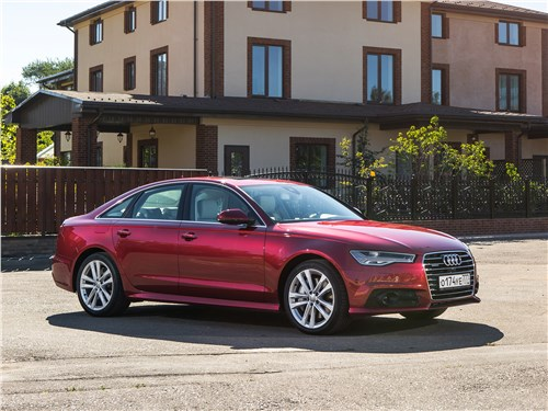 Audi A6 2015 вид спереди