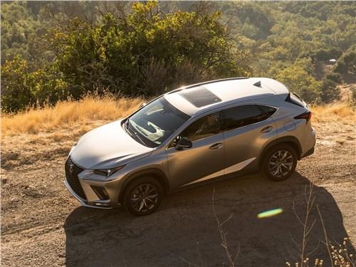 Lexus NX 2018 вид сверху