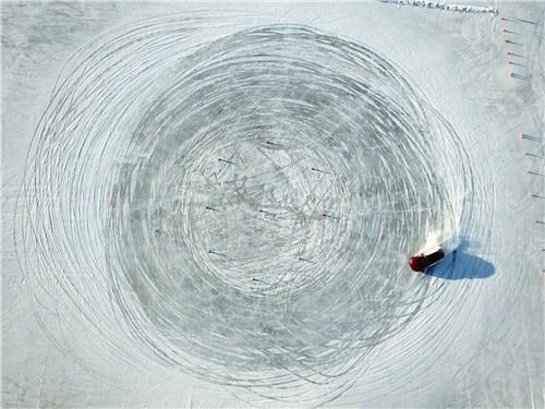 Часть теста прошла на «Ледовом автодроме» озера Балтым
