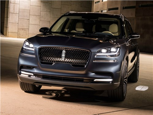 Lincoln Aviator Concept 2018 вид спереди
