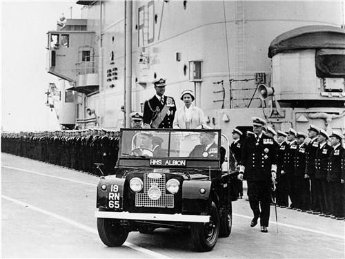 Еще в 1957-м Елизавета II подтвердила, что Land Rover Series I – королевская машина