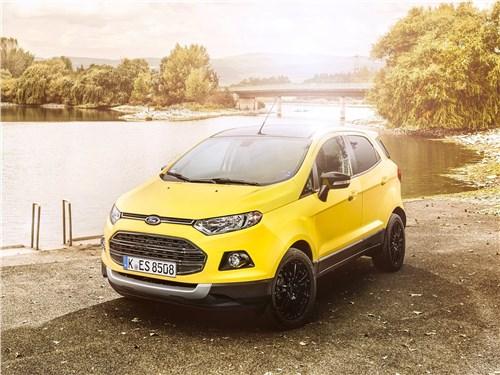 Ford EcoSport 2016 вид спереди сверху