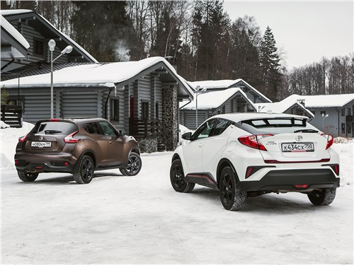 Nissan Juke 1.6 2017 и Toyota C-HR 2.0 2017 вид сзади