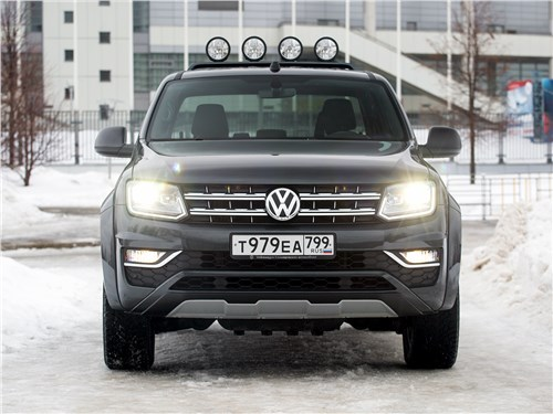 Volkswagen Amarok Dark Label 2019 вид спереди