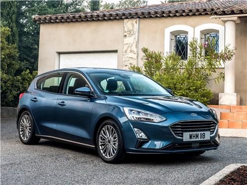 Четыре двери Focus - Ford Focus 2019 вид спереди