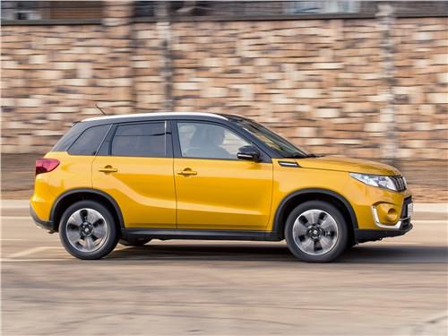 Suzuki Vitara 2019 вид сбоку