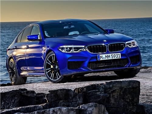 BMW M5 2018 вид спереди