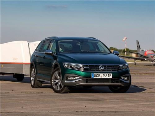 Volkswagen Passat Alltrack 2020 вид спереди